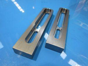 立型マシニングで加工した機械部品